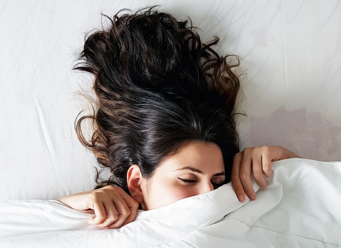 never sleep in makeup, why you should not sleep with makeup, Delara Lalwani, The Beauty Wonderland, Beauty Button